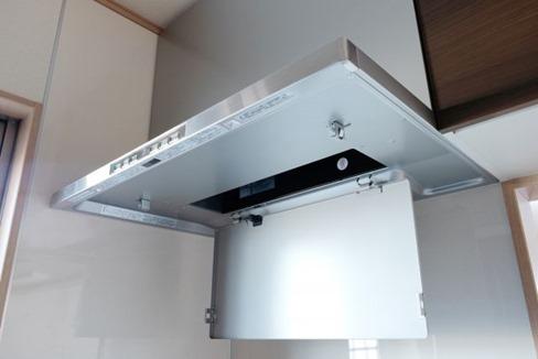 アルミ換気扇ファンもつけ置き可能な洗剤でミニ掃除へ格下げ